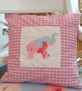 pink_gingham_cushion