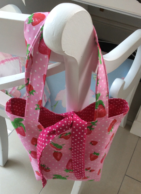 strawberry_tote